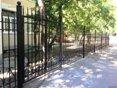 Сколько стоит металлический забор с установкой?